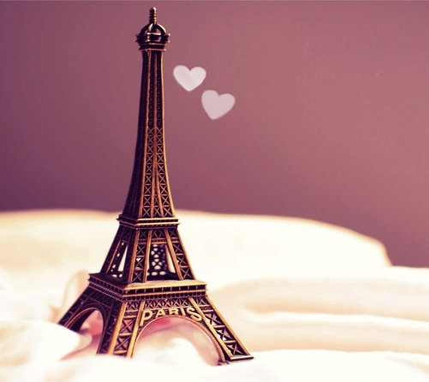 Download Cute eiffel tower Love For mobile cell phone.