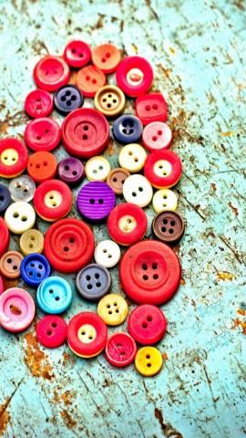 Buttons heart iphone 5 wallpaper
